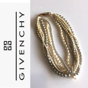 🆕 Givenchy Necklace